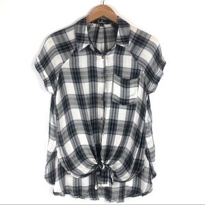 Lulu's Plaid Short Sleeve Knot Front